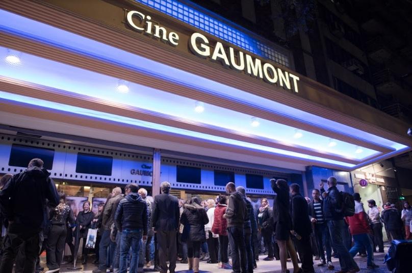 Foto del frente del cine Gaumont